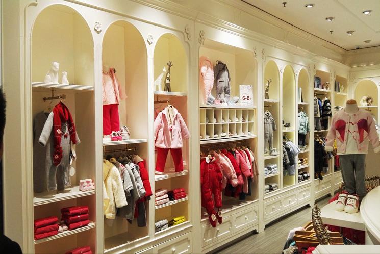儿童服装展柜定制