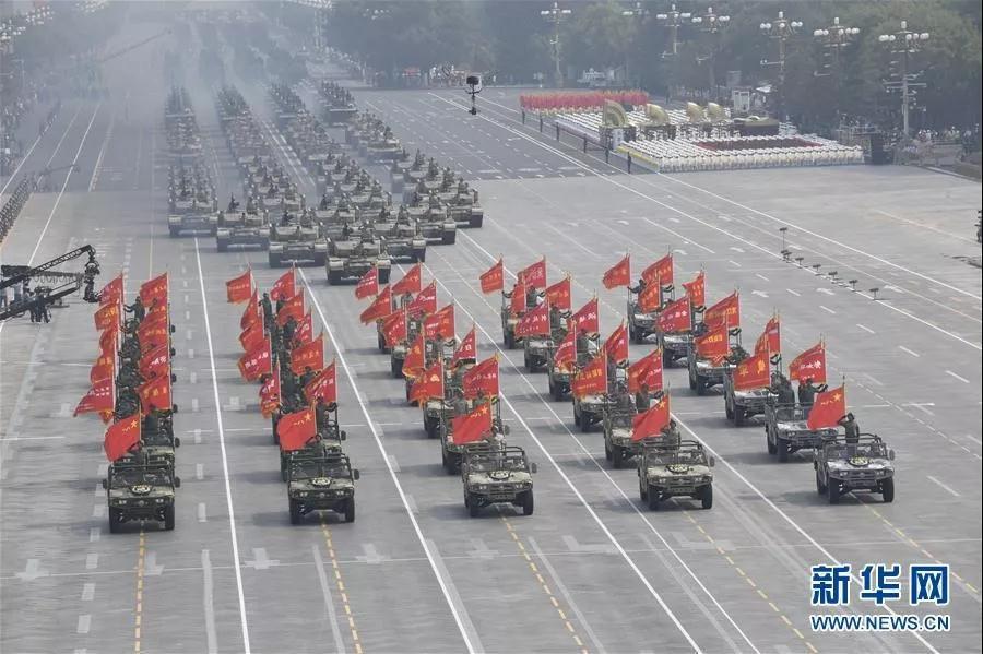 展柜厂商:70年砥砺奋进,中国梦唱响中国实力
